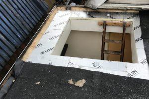Dak isoleren vervangen bitumen en dak toegang plaatsen. Utrecht