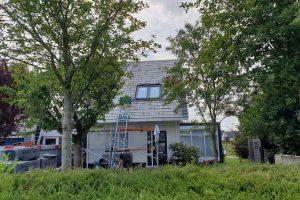 Dak-renovatie-van-standaard-rode-pannen-naar-strake-pan-antrasiet-7