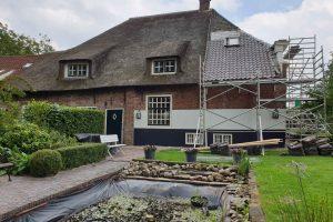 Nieuwe-dakpannen-oude-holle-monumentaal-pand-in-Rijswijk-3