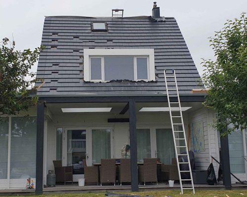 Dak-renovatie-van-standaard-rode-pannen-naar-strakke-pan-antrasiet8